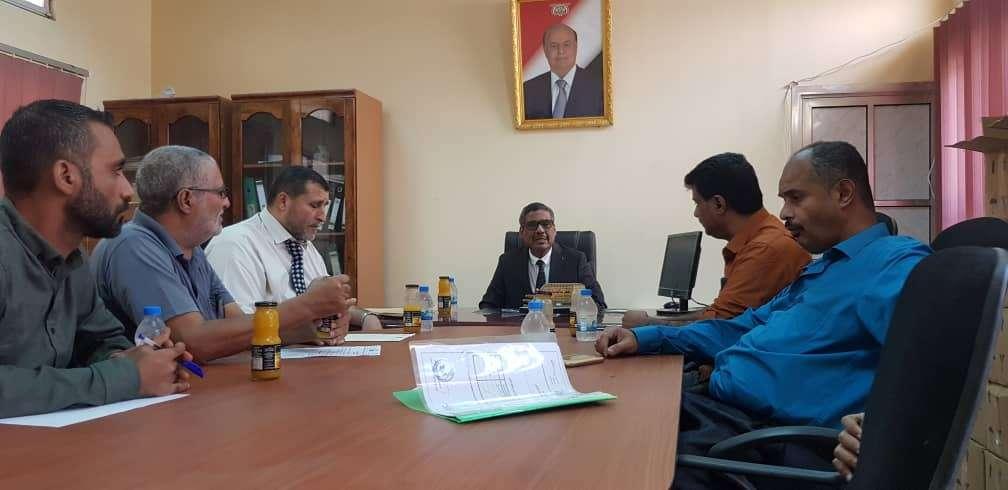قطاع المشاريع والتجهيزات بوزارة التربية والتعليم يعقد اجتماعه بعدن